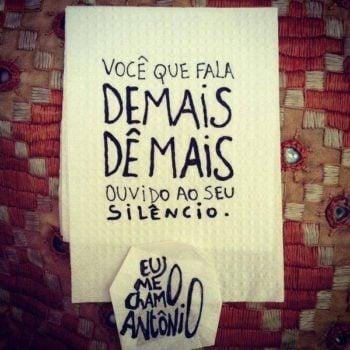 Fala demais
