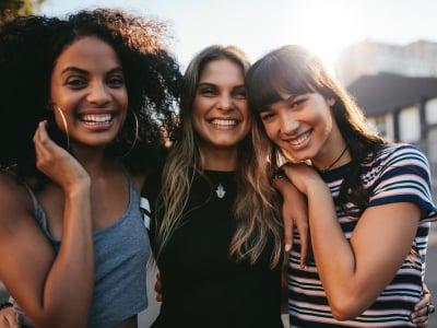 40 mensagens para amigos que celebram as amizades verdadeiras