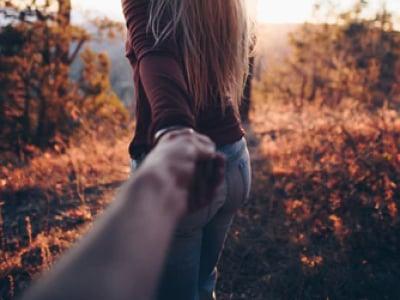30 mensagens de amor para namorado distante que vão aproximar os corações separados