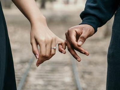 45 mensagens bíblicas para casal que trazem muitas lições de amor