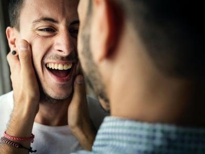 35 mensagens de 1 ano de namoro para celebrar o primeiro aniversário juntos