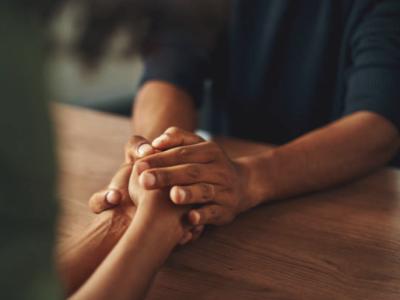 50 mensagens de amor ao próximo para espalhar união e carinho